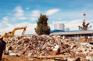 Работы по вывозу строительного мусора при помощи спецтехники