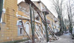 Укрепление стены сносимого аварийного здания
